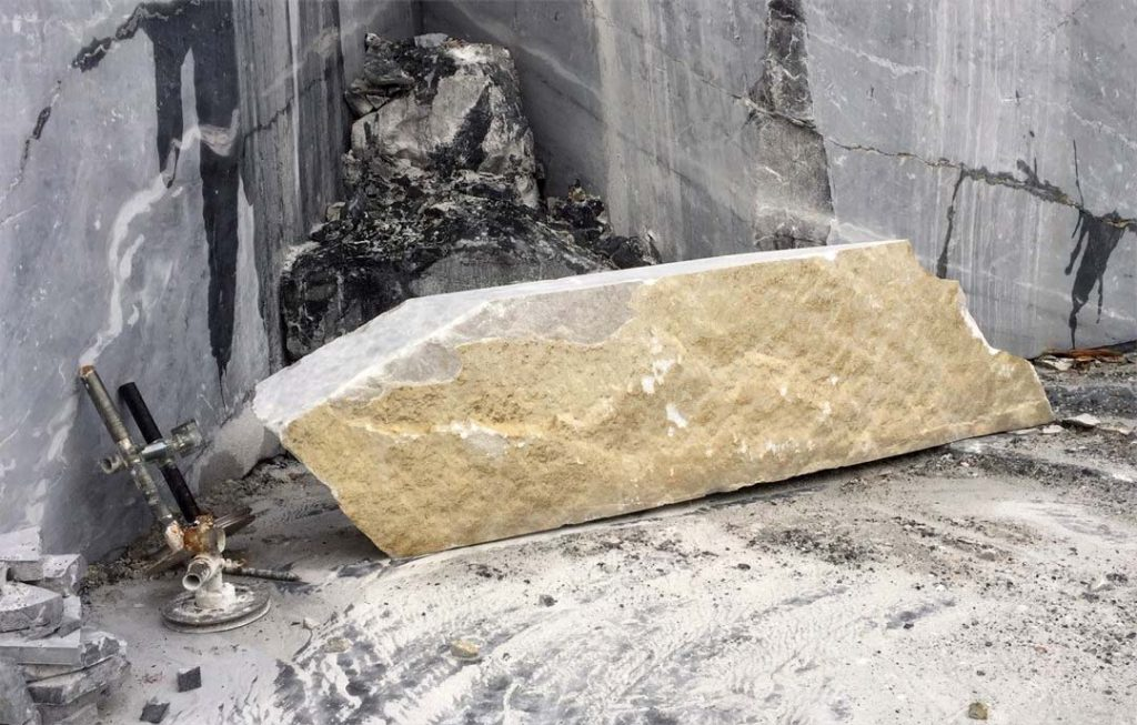 marble-sculptural-features-tahsis-3